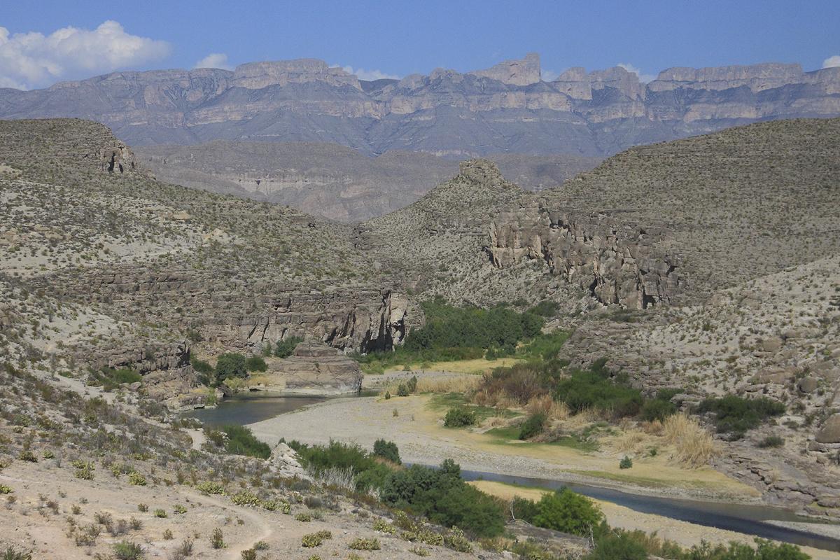 Along The Rio Grande Trail